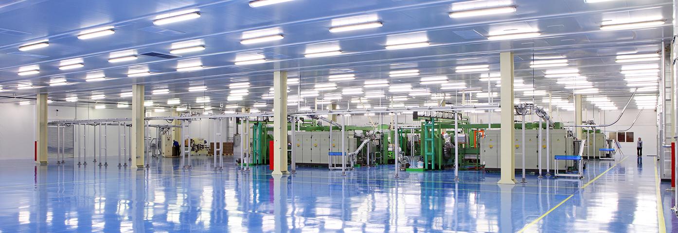 Beleuchtung Industriehalle mit LED-Röhren