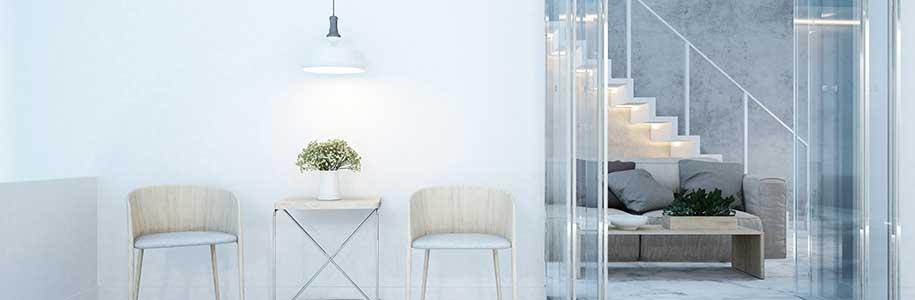 Wohn-Essbereich mit direkter und indirekter Beleuchtung