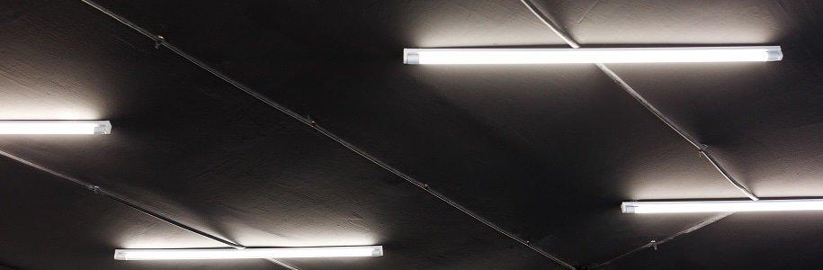 Installation einer T5-LED-Röhre
