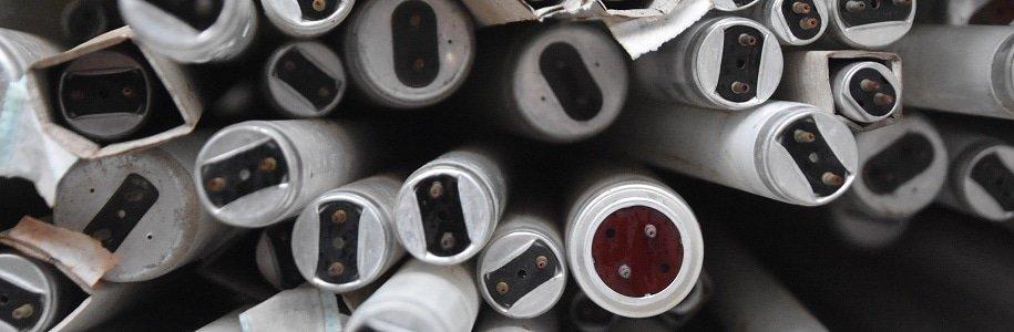 Leuchstoffröhren von oben fotografiert